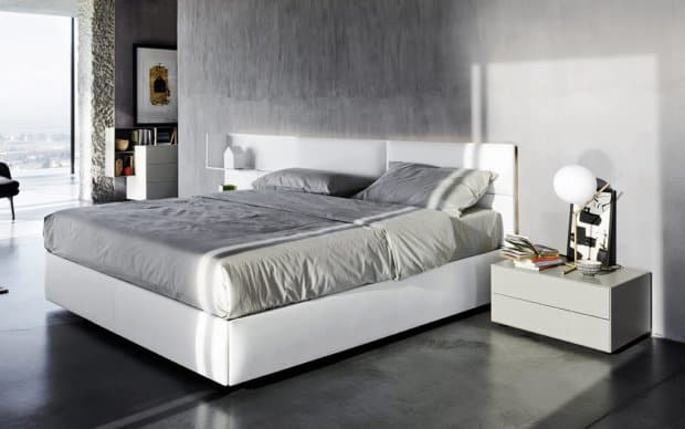Elegante Nachttisch 33 cm hoch