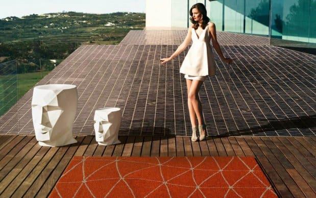 Vondom Koi Outdoor Teppich mit Adan Tisch Hocker