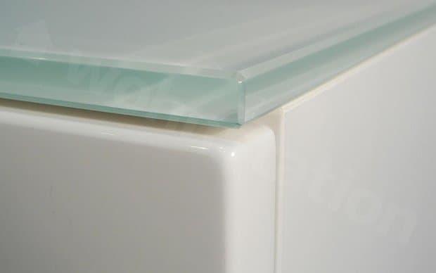 weiße Glasplatte