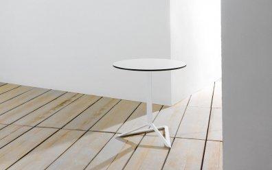 Delta Pie Tisch Höhe 105cm (Vondom) weiß mit schwarzem Rand