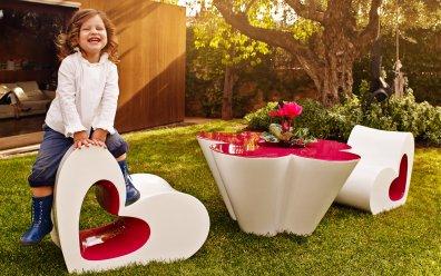 Agatha Stuhl und Tisch