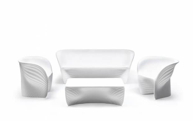 Vondom Biophilia Sessel in einer Sitzgruppe